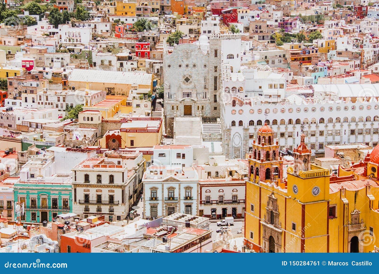 Guanajuato Mexiko, sikt av en färgrik mexikansk stad