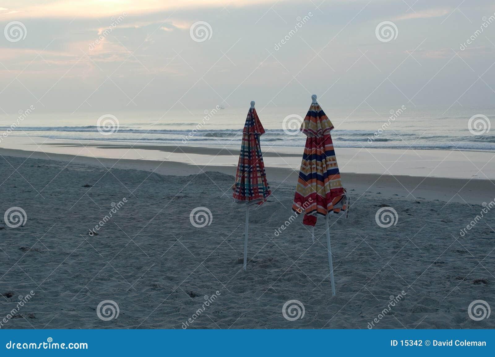 Guarda-chuvas na praia