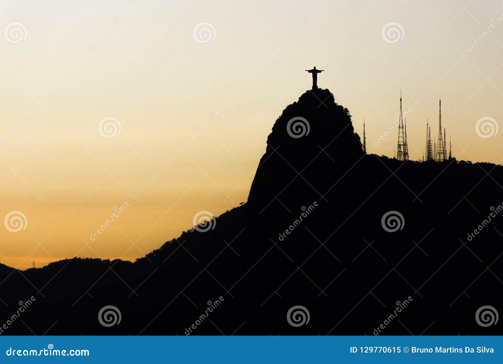 Guardi della puttana della vicinanza in Rio de Janeiro