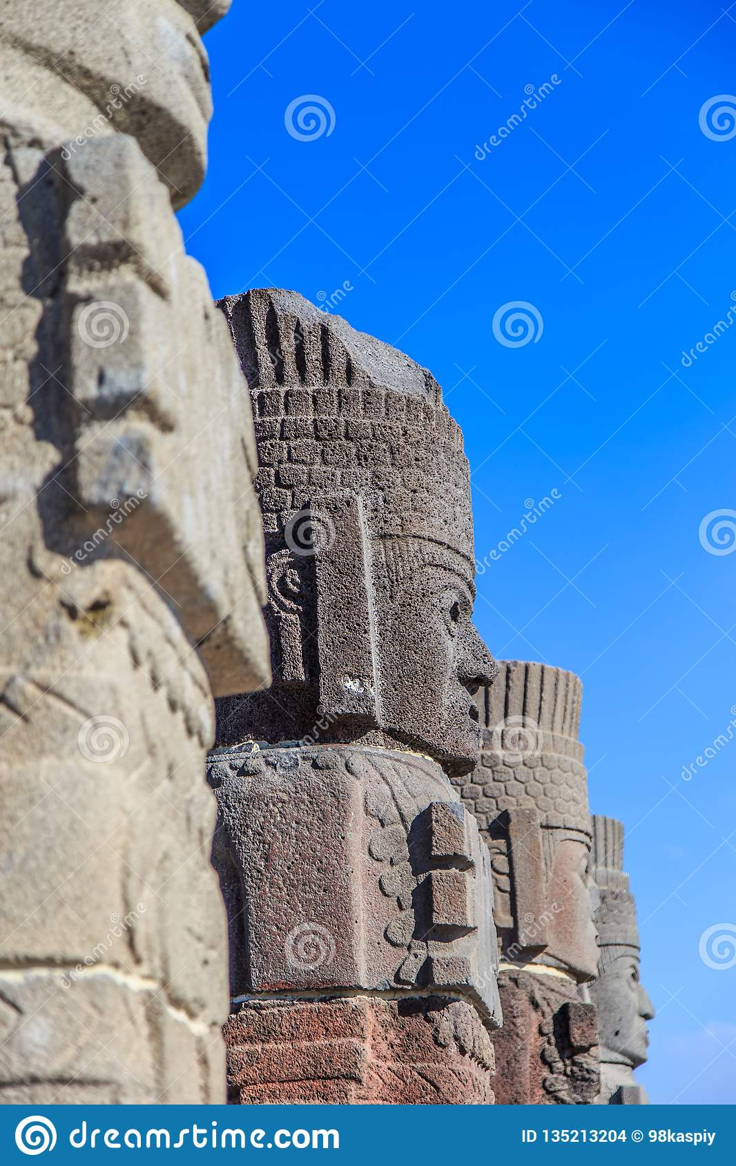 Guerreros de Toltec - Atlantes