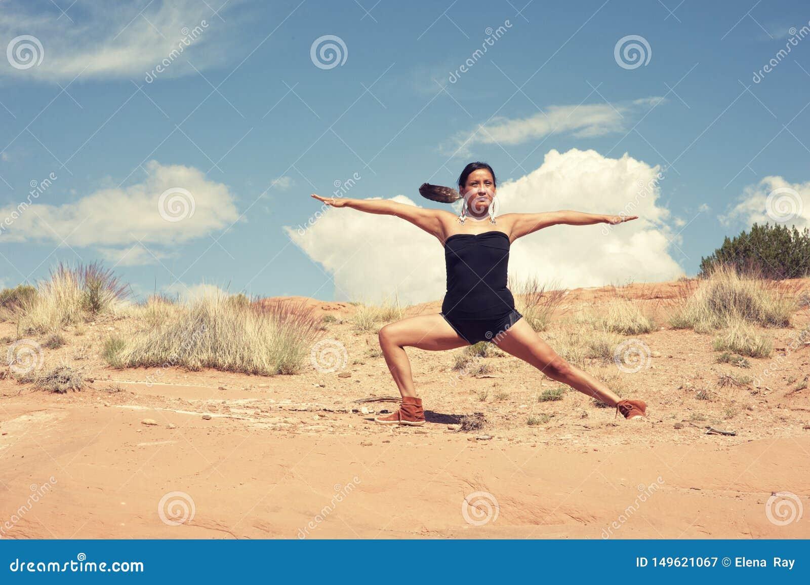 Guerriero navajo di yoga della donna