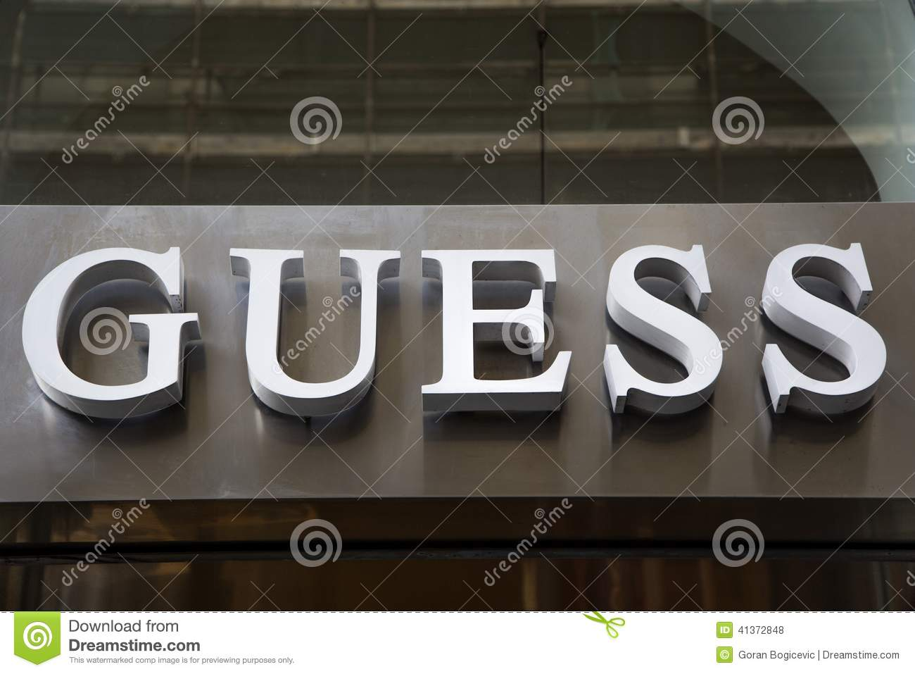 Women clothing stores. Guess clothing store locations