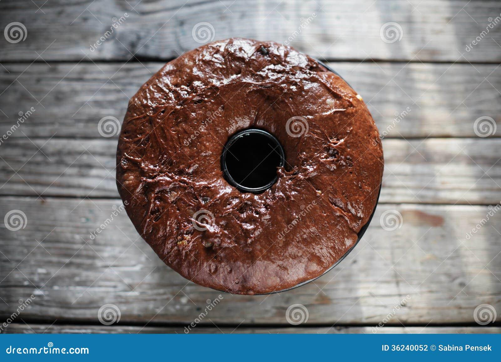 Gugelhupf da massa do bolo de chocolate, fermento aumentado