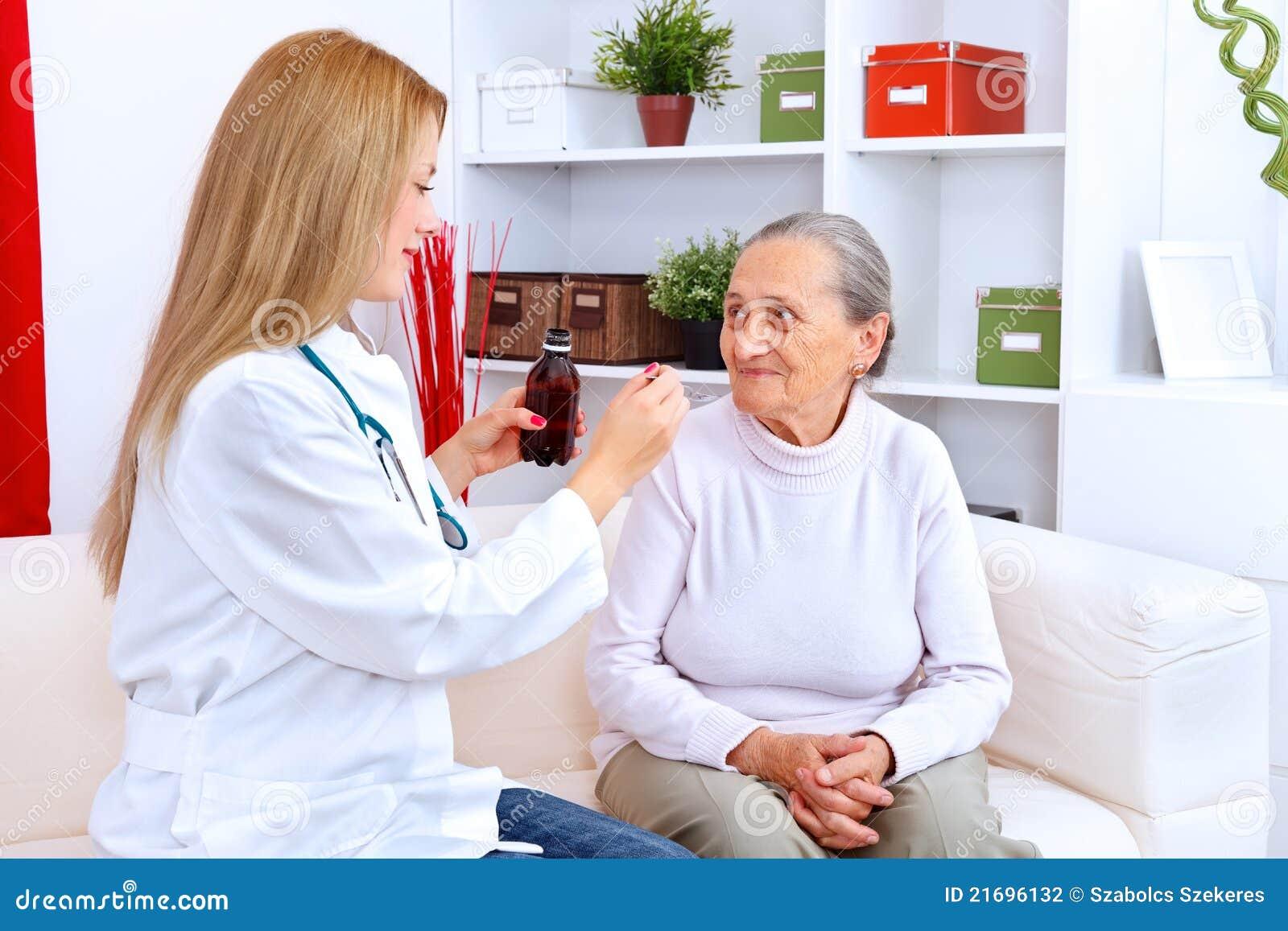 Guida per la signora anziana ammalata