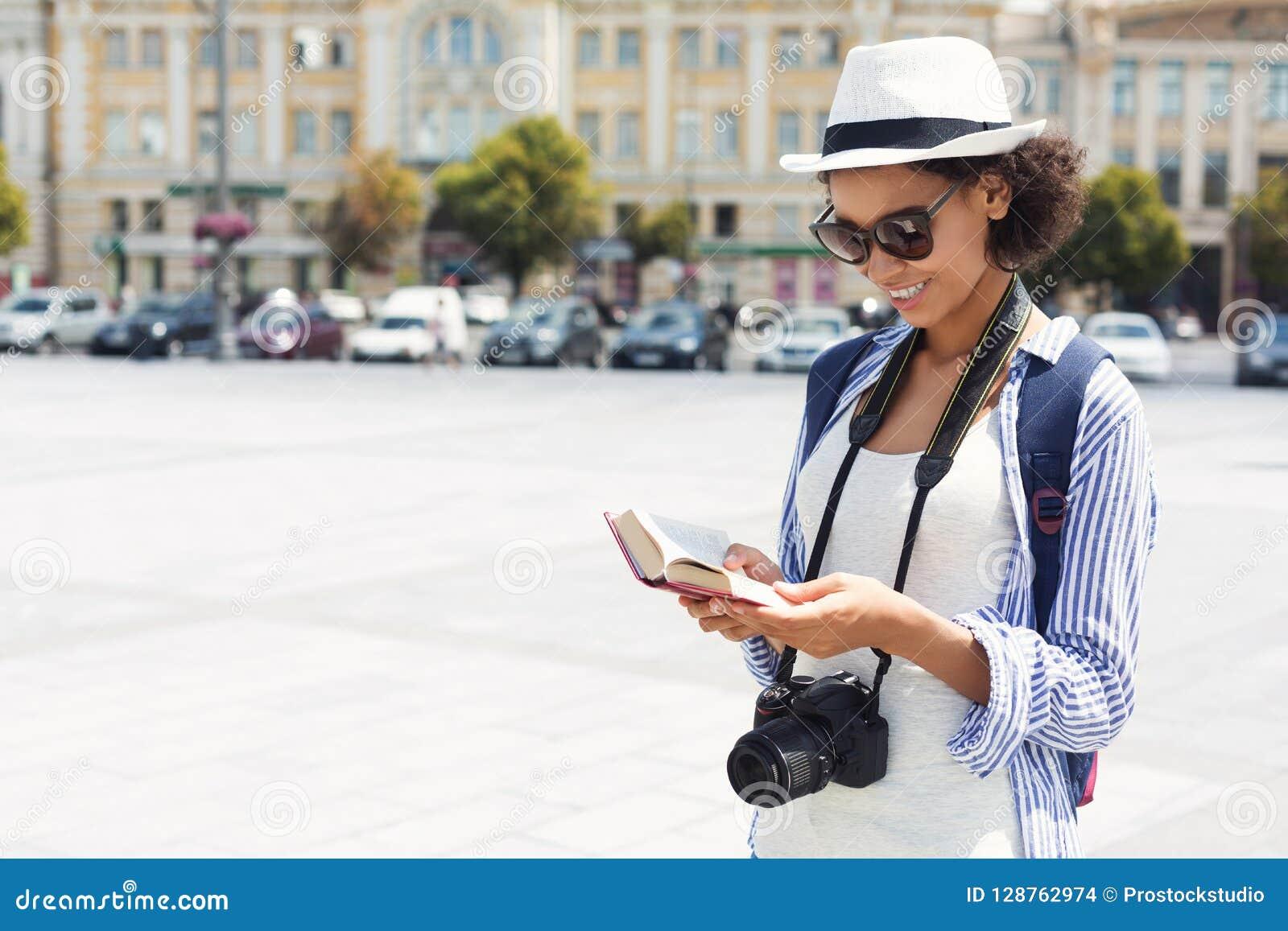 Guida turistica afroamericana della lettura in città