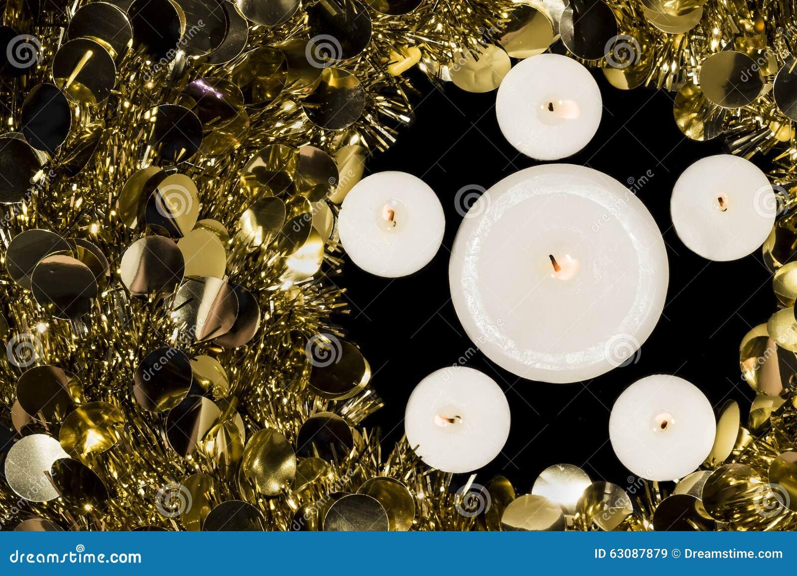 Download Guirlande De Bougies Et De Noël Image stock - Image du religion, dans: 63087879