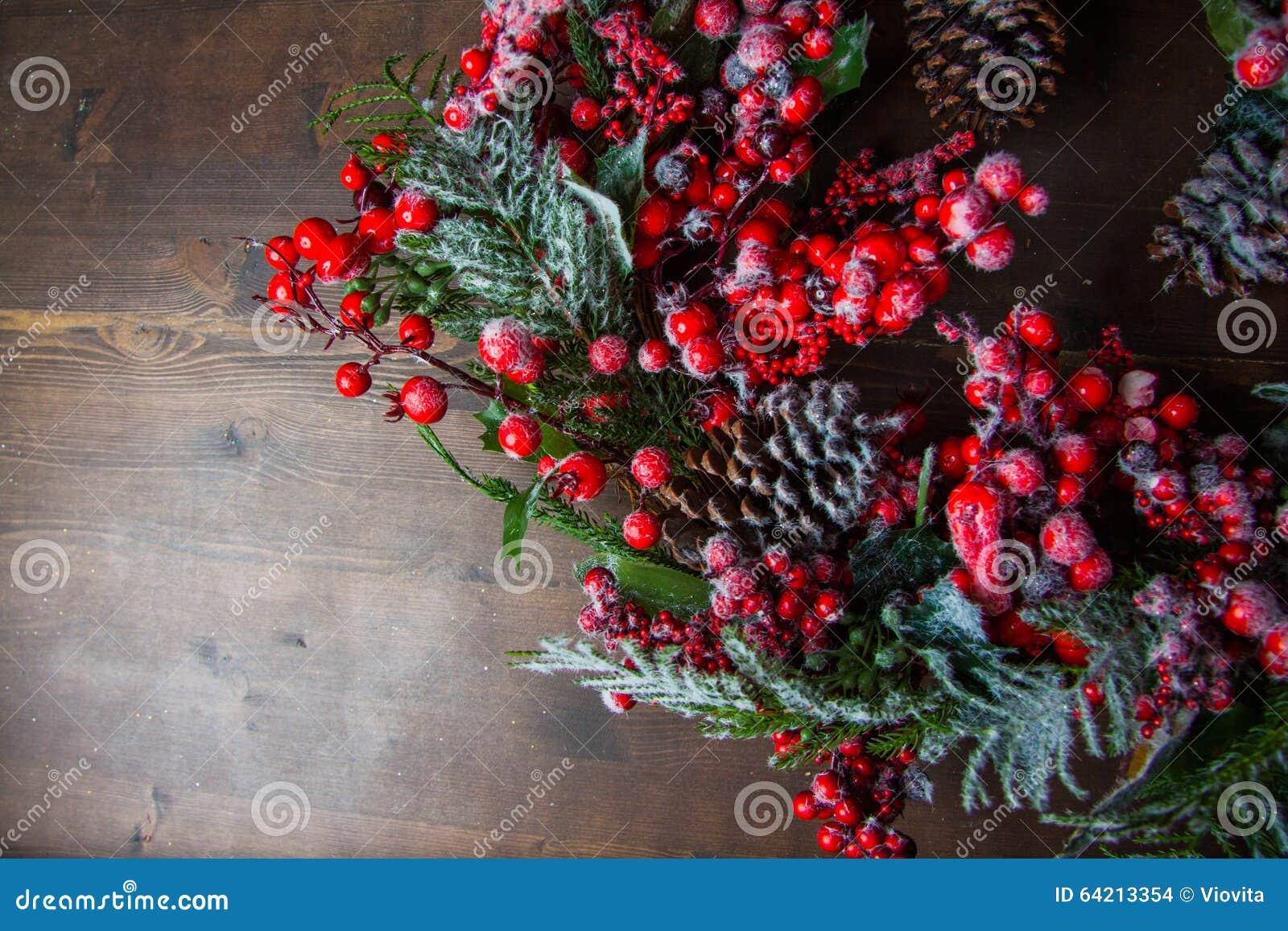 Guirnalda de la Navidad con las bayas