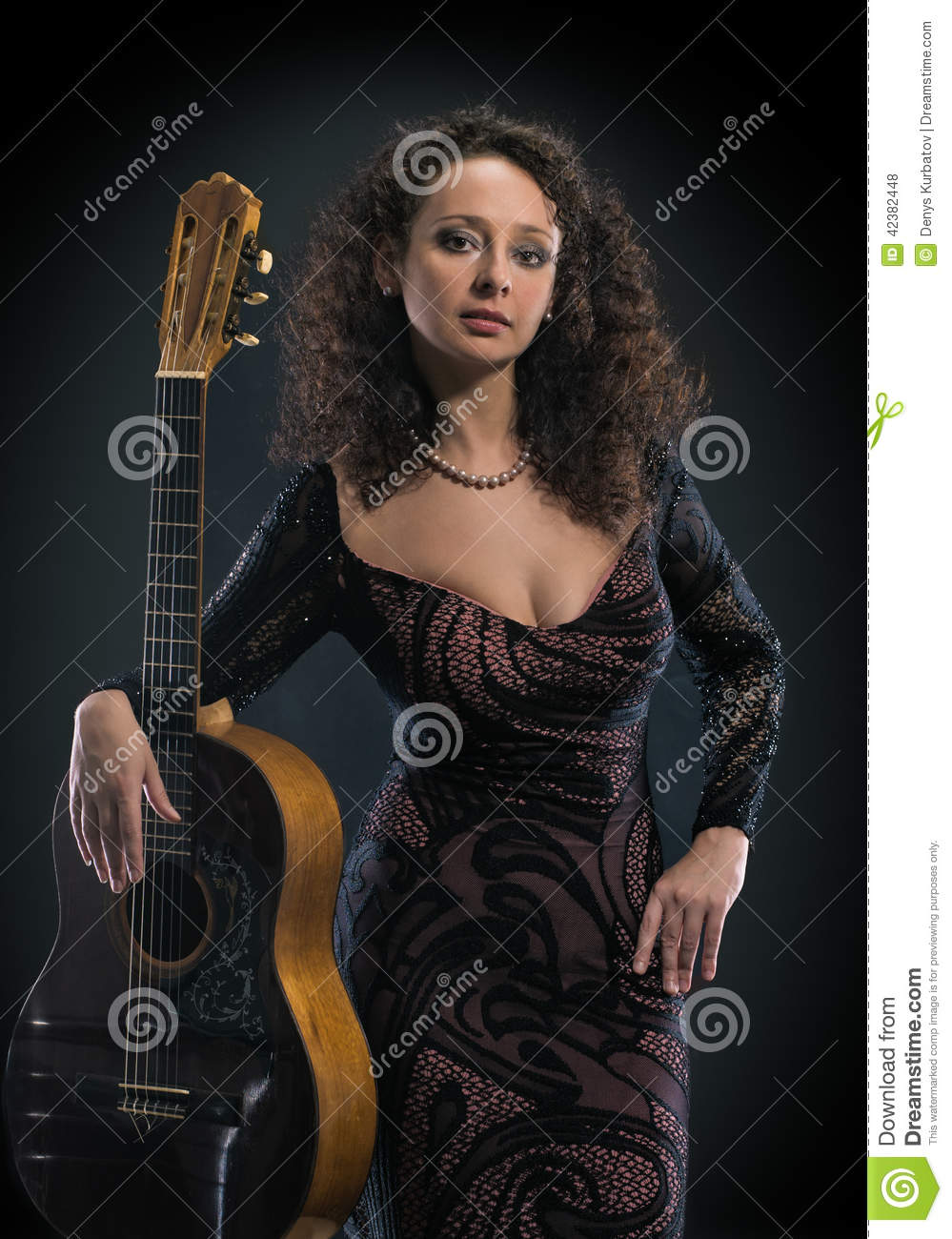 how to play little black dresses on guitar