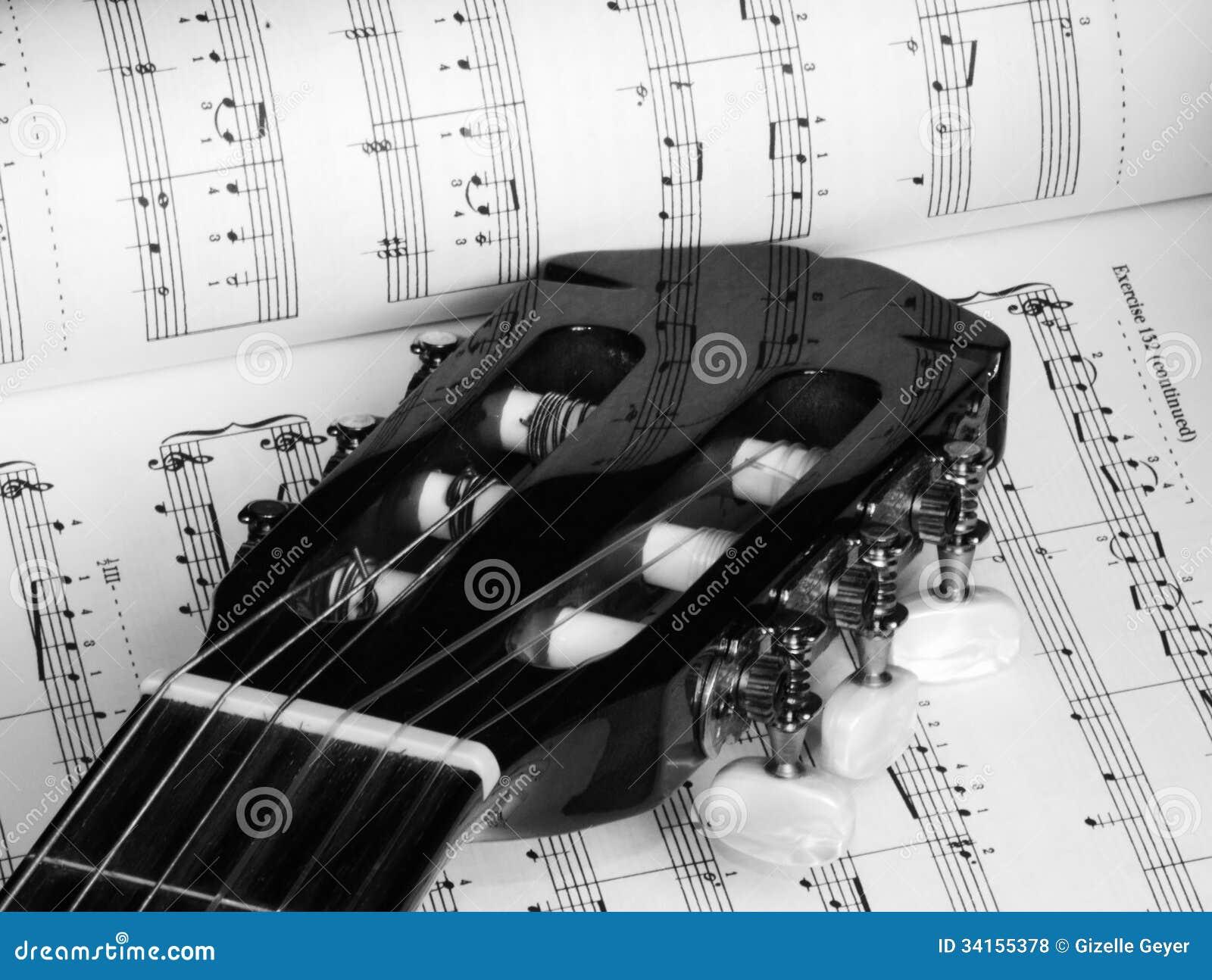 guitare et musique en noir et blanc photo stock image du composition livre 34155378. Black Bedroom Furniture Sets. Home Design Ideas