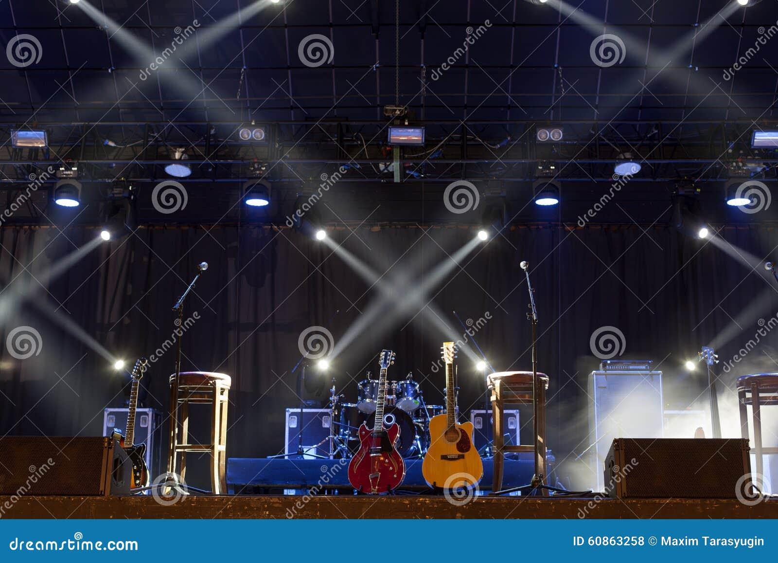 Guitare sur l étape avant concert