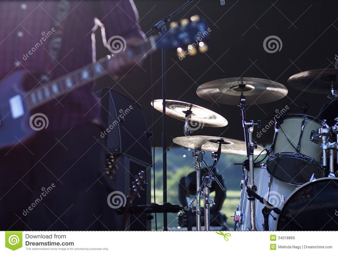 Guitarist On Stage Royalty Free Stock Images - Image: 34018869