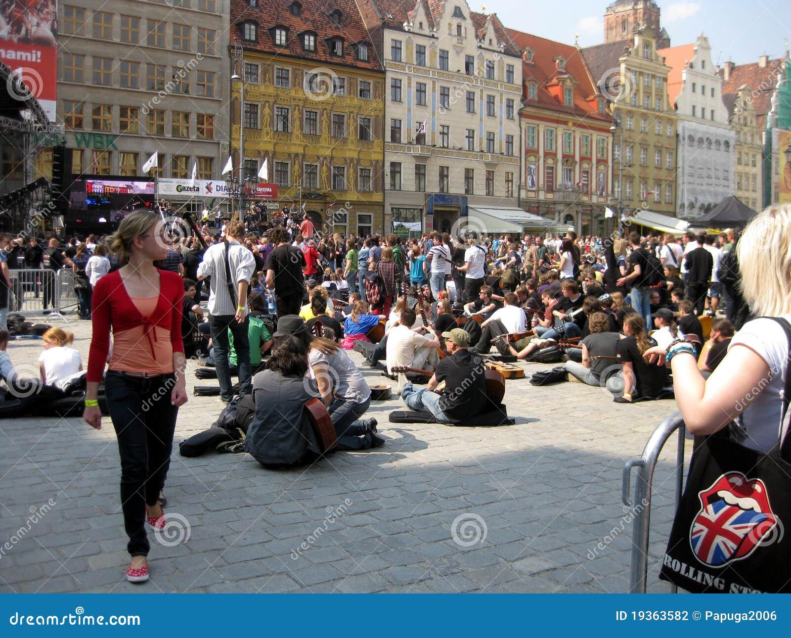 Guitarra 2011 do record mundial de Guinness: Hendrix em Wroc
