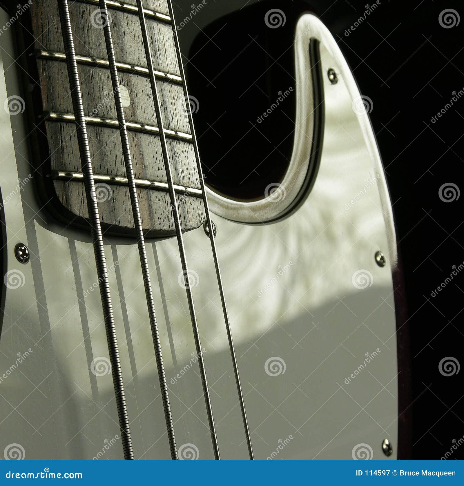 Guitarra baixa 2