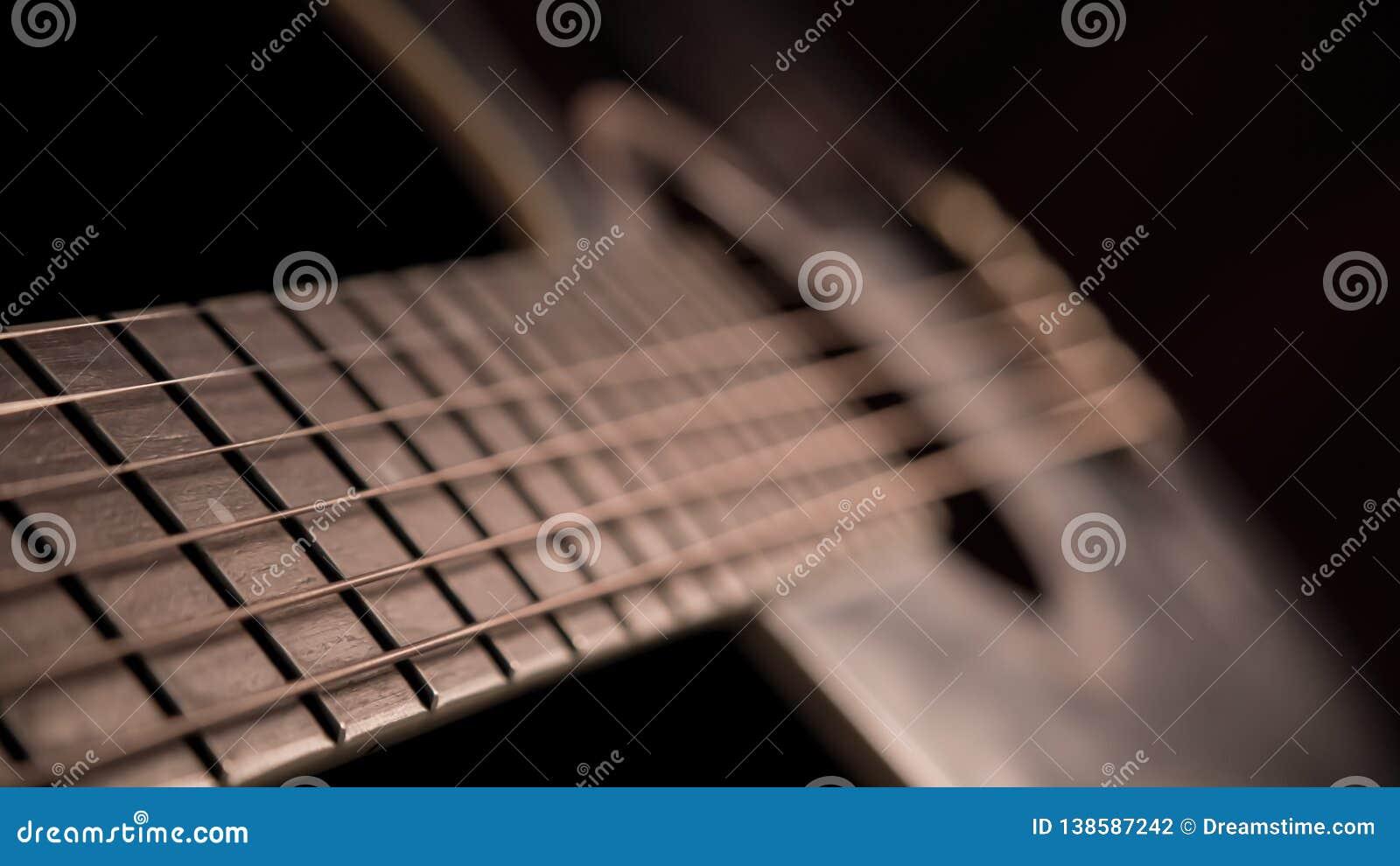Guitarra na obscuridade