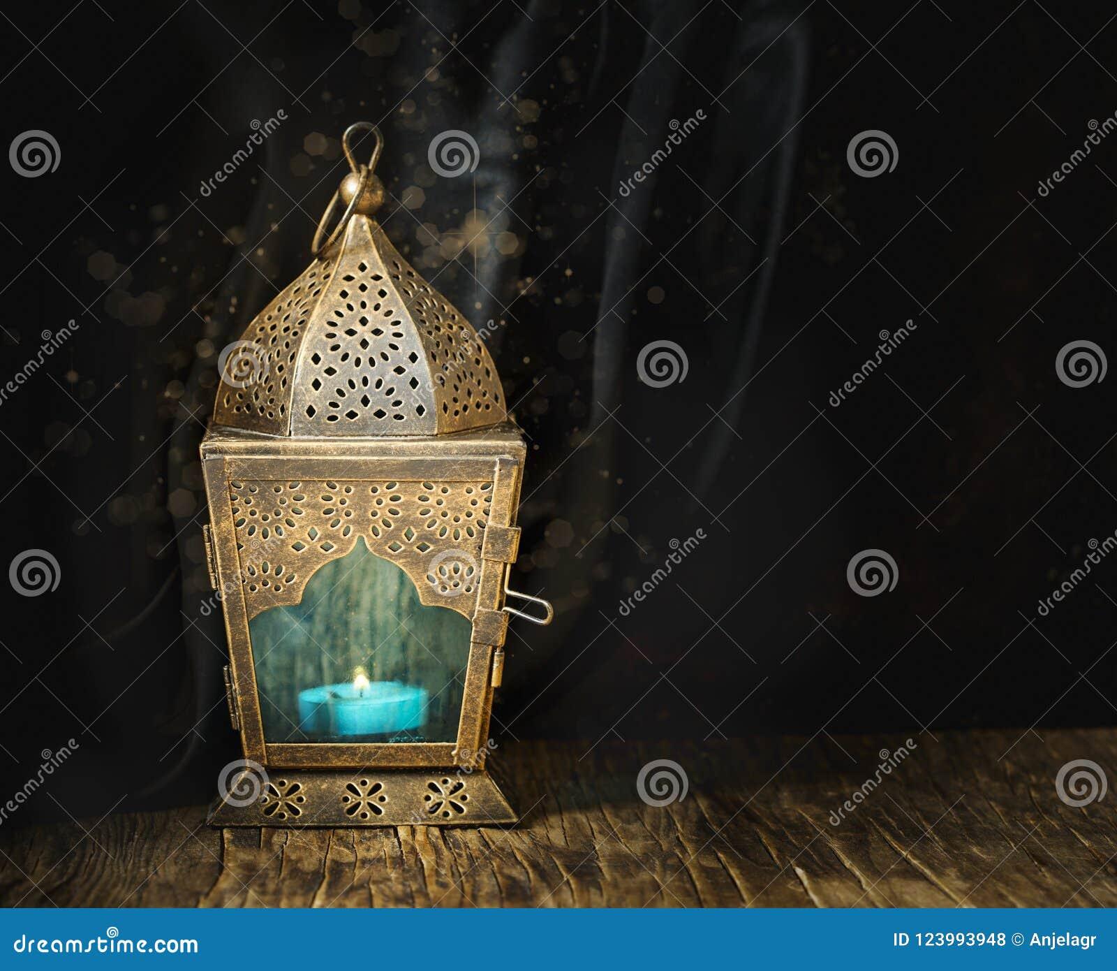 Guld- arabisk lykta