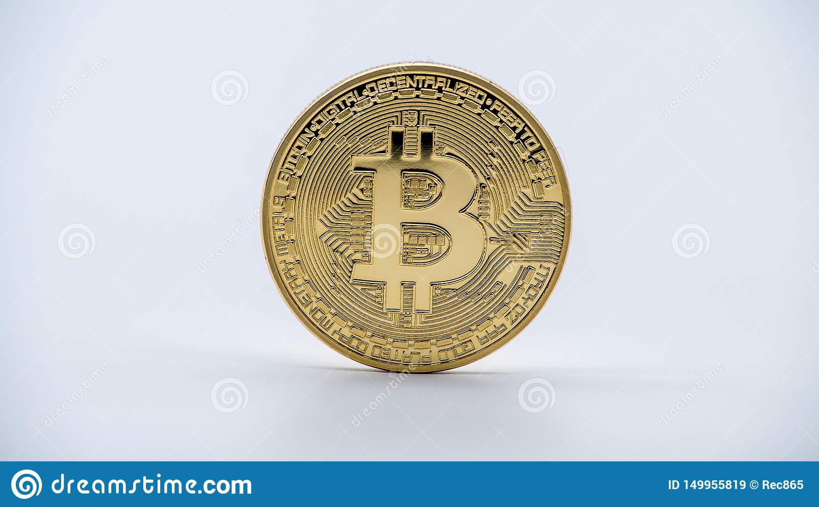 Guld- Bitcoin för fysisk metall valuta, vit bakgrund Cryptocurrency