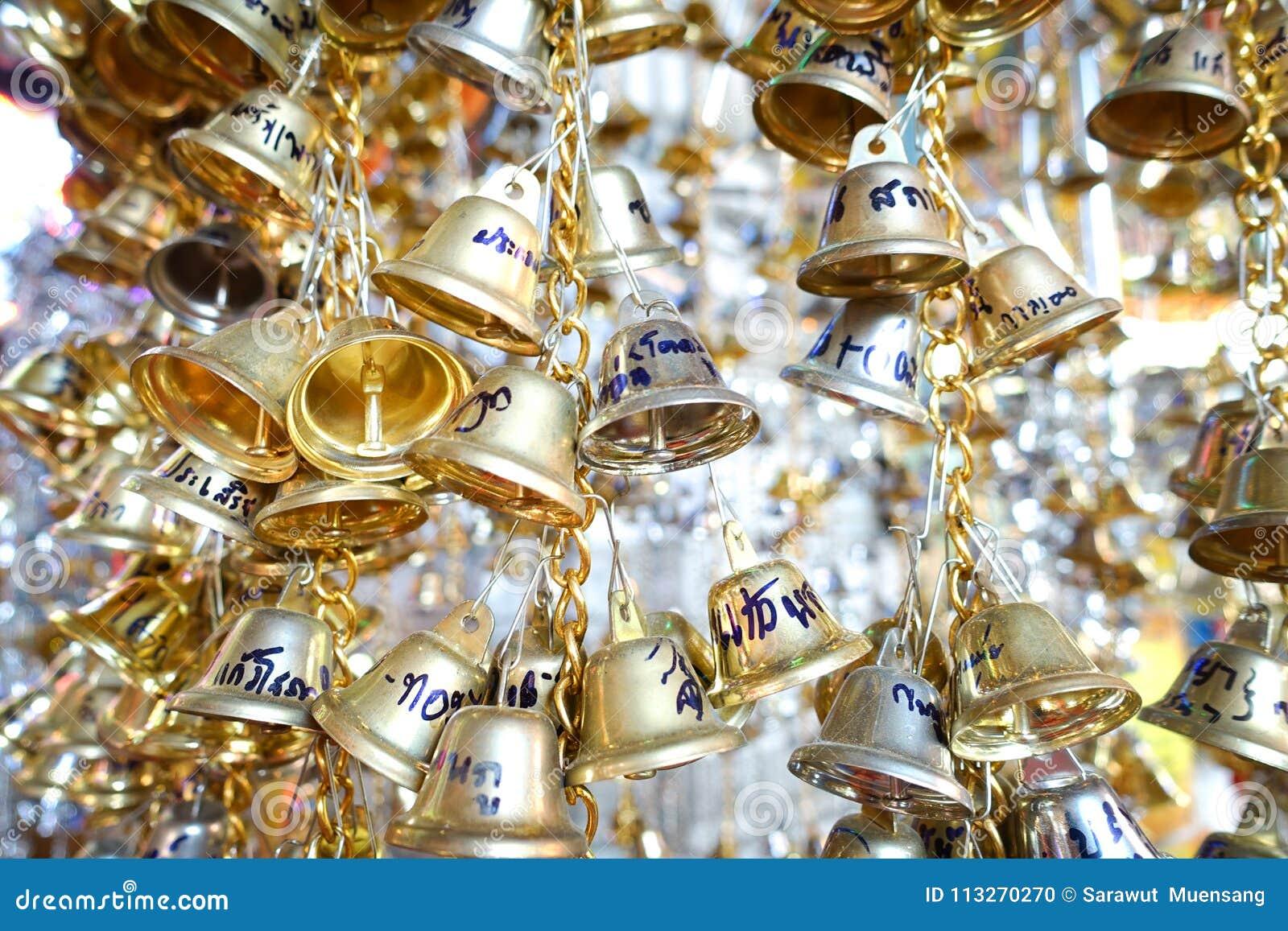 Guld- klockor i templet