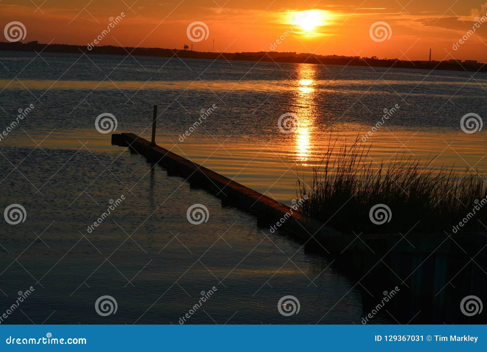 Guld- solnedgång i North Carolina