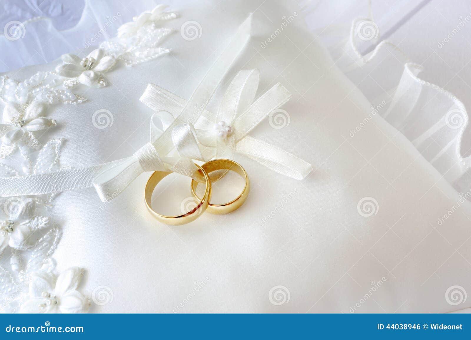 Guld Kudde materielbilder - royalty för nedladdning 7 3e37088d4adca