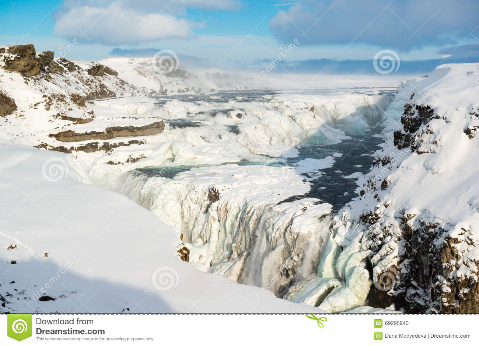Gulfoss puissant ou cascade d or en hiver, Islande