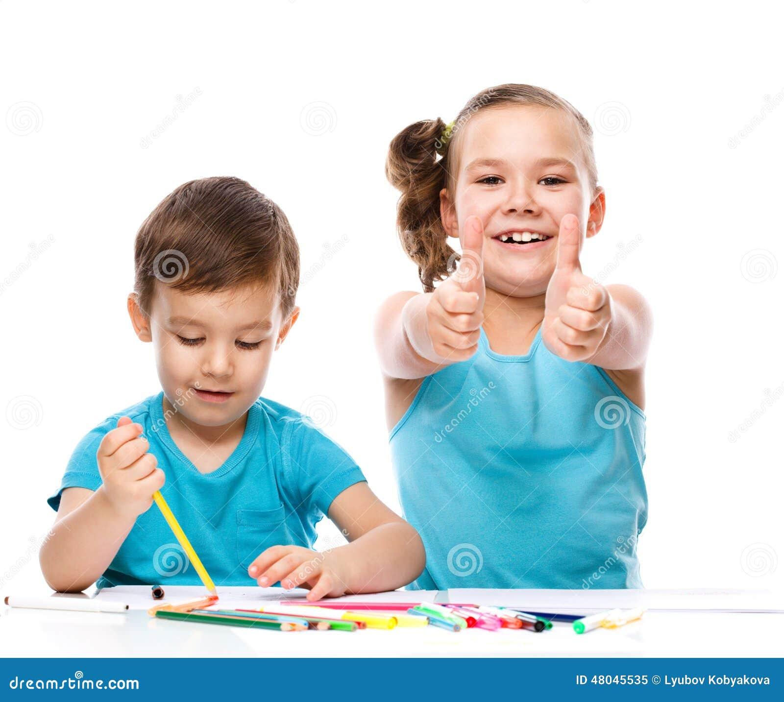 Gulliga barn drar på vitbok