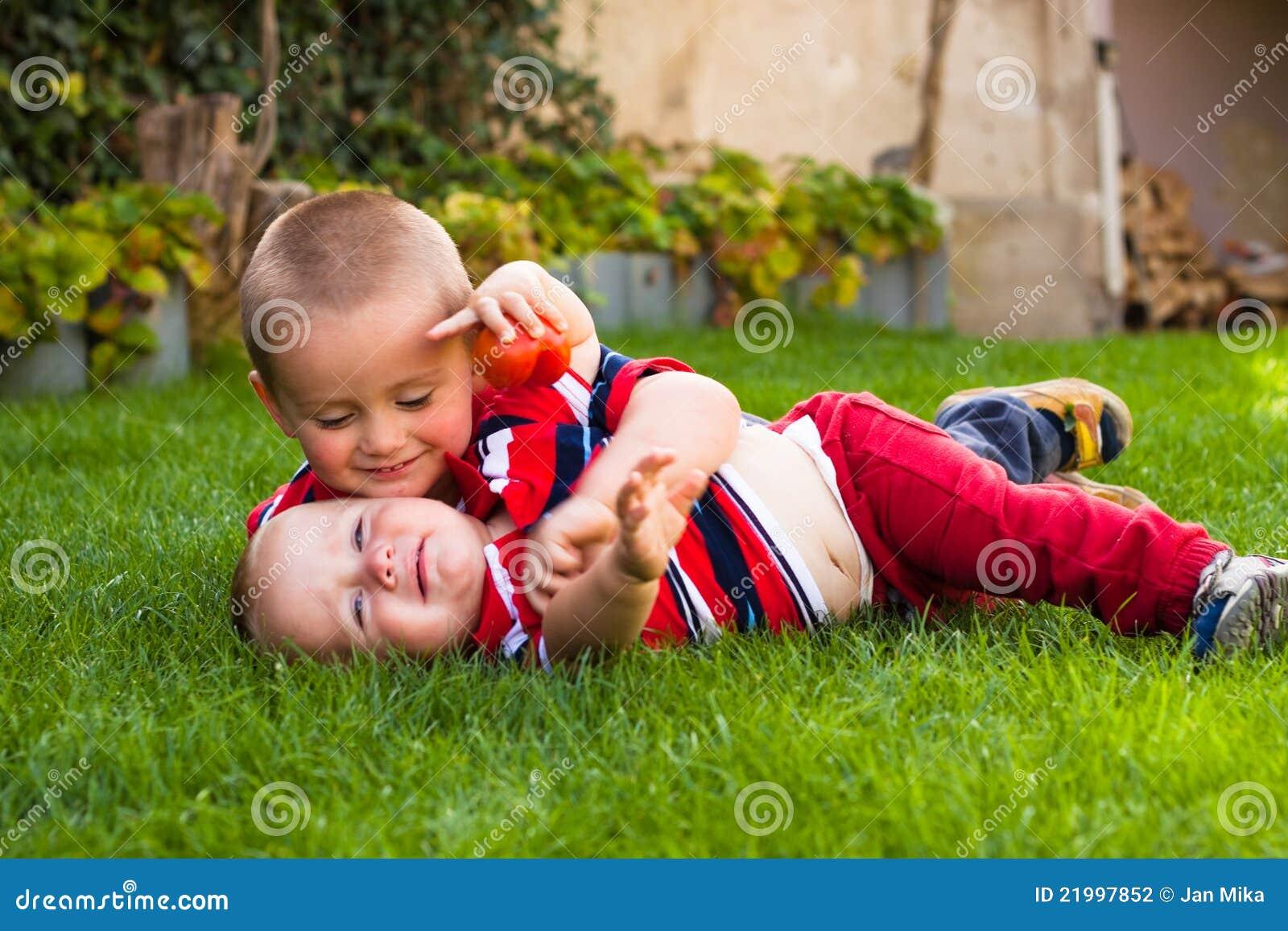 Gulliga bröder little