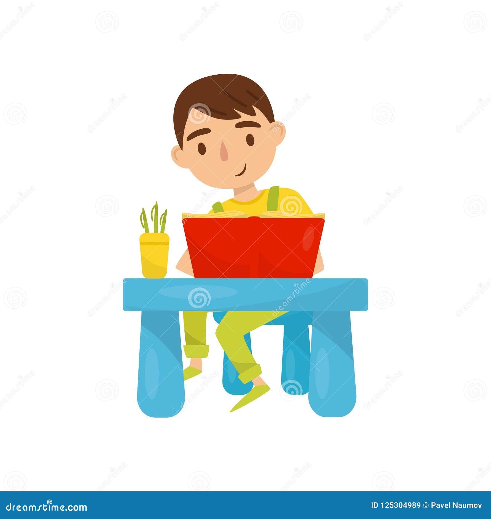 Gulligt pojkesammanträde på tabellen och läsningen en bok, ungeaktivitet, daglig rutinmässig vektorillustration på en vit bakgrun