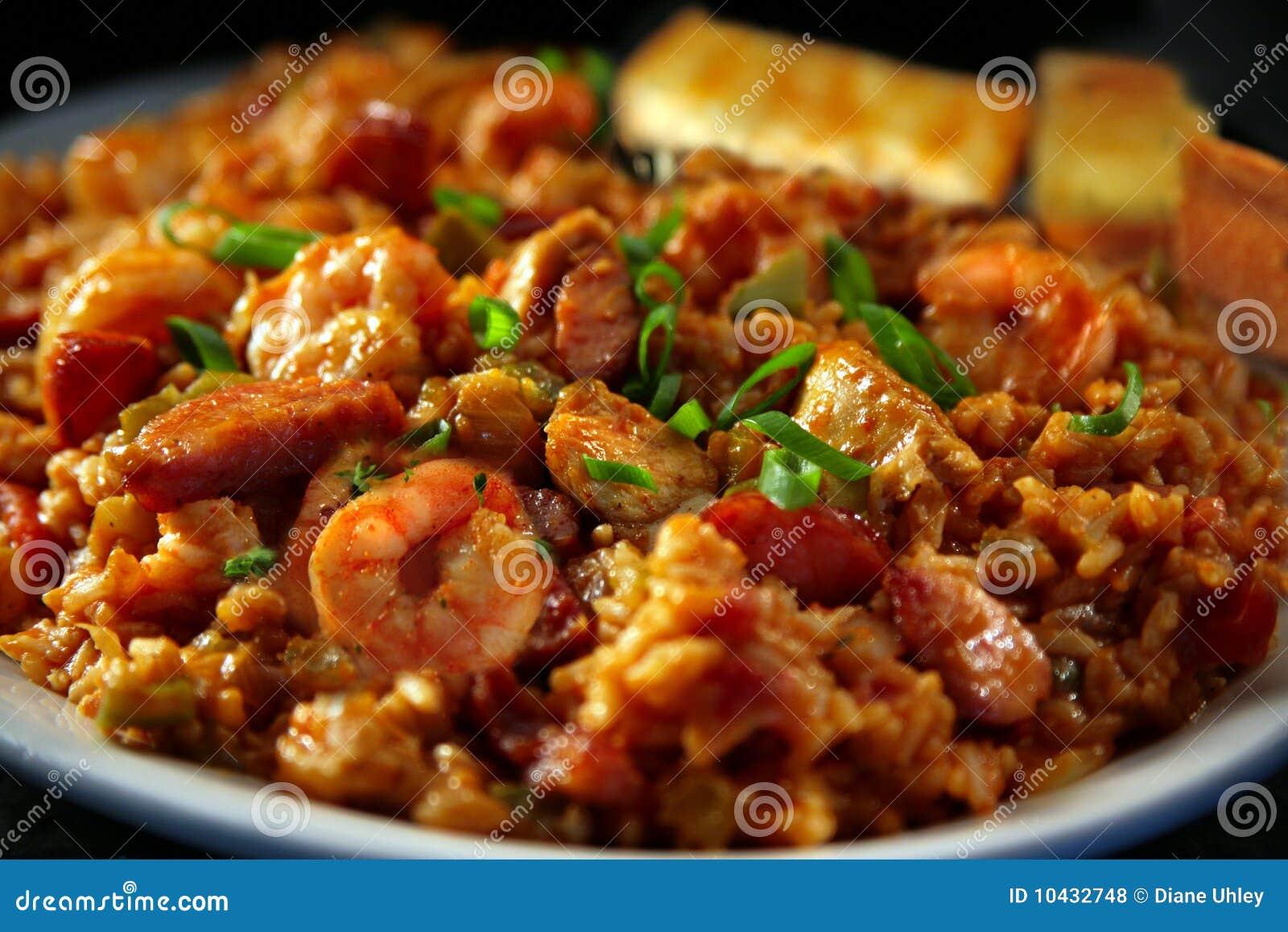 Gumbo del pollo e del gambero con gli Scallions