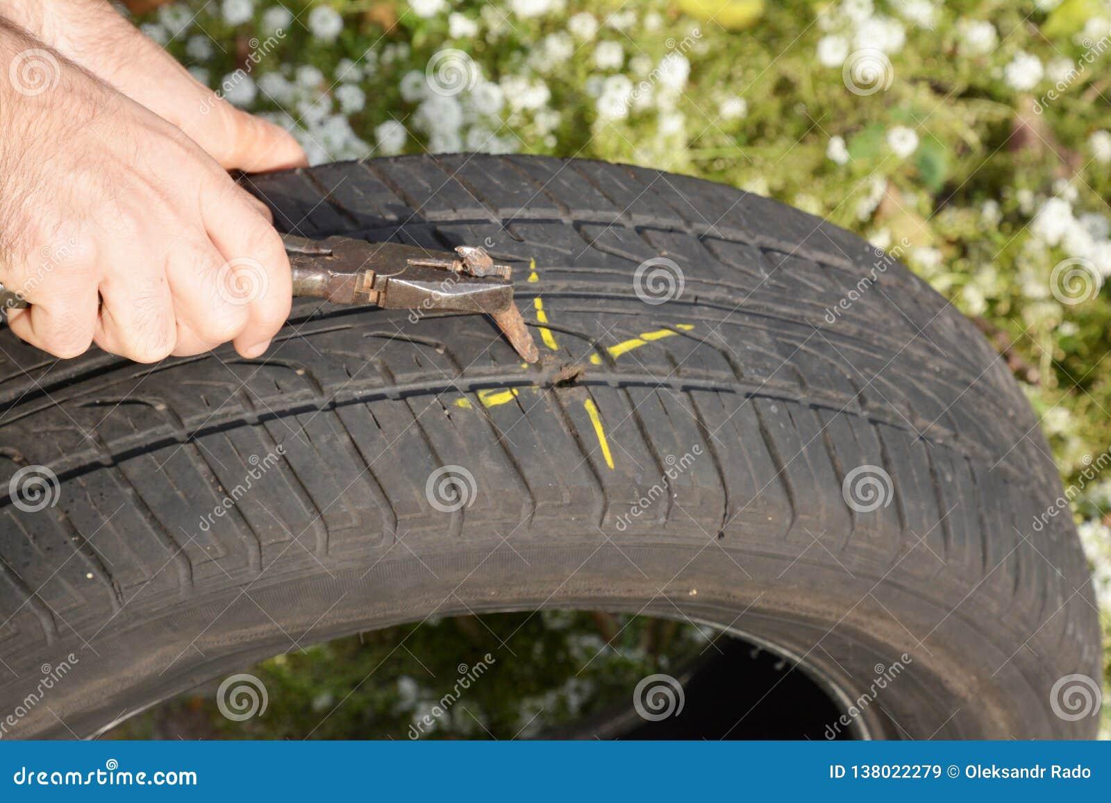 Gummihjul för plan bil för knipa Skada för bilgummihjulet med spikar