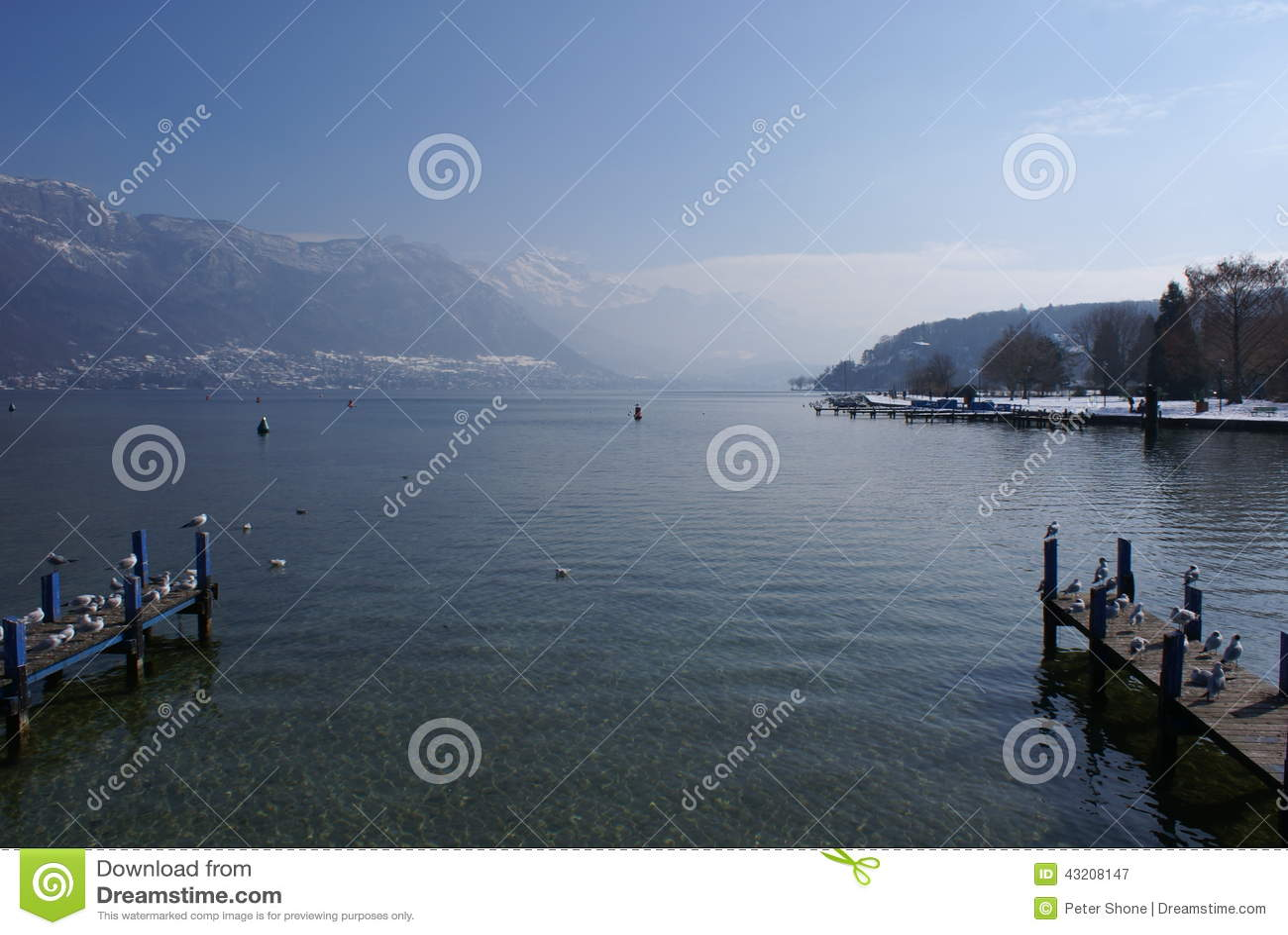 Download Gummilackad'Annecy Frankrike Fotografering för Bildbyråer - Bild av berg, ogenomskinlighet: 43208147