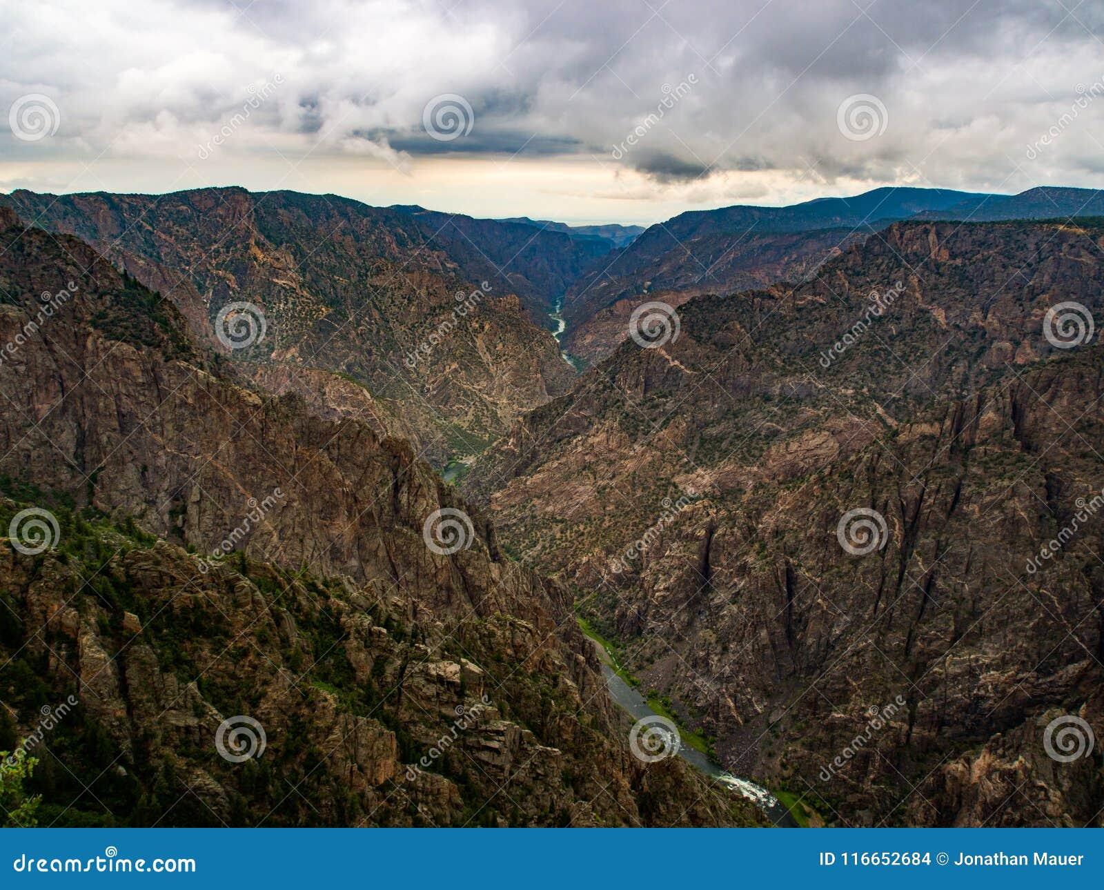 Gunnison Overlok,峡谷视图的黑峡谷