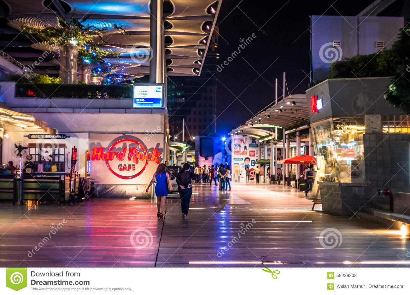 Gurgaon di Cyberhub alla notte