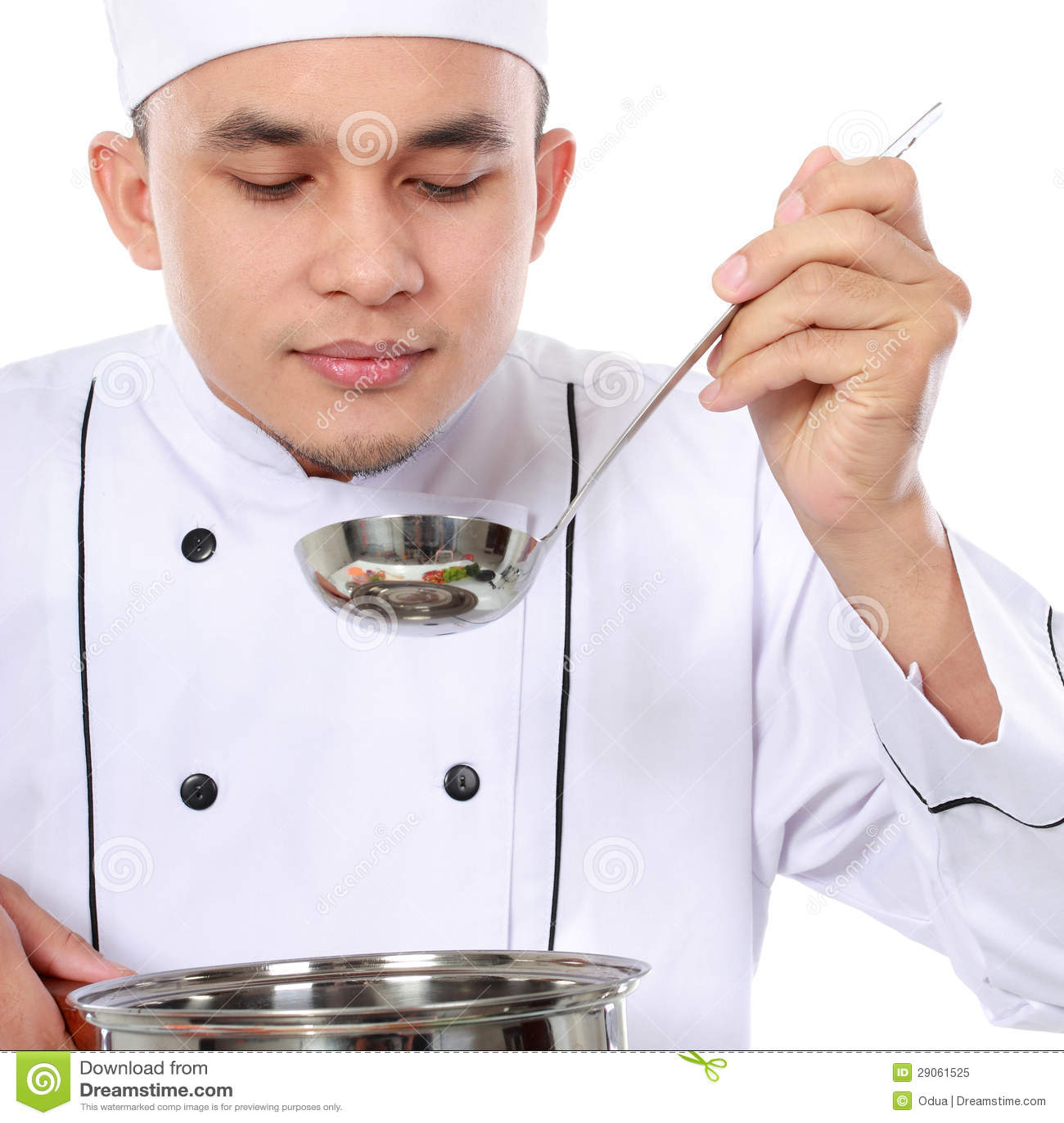 Gusto maschio del cuoco unico la sua cottura