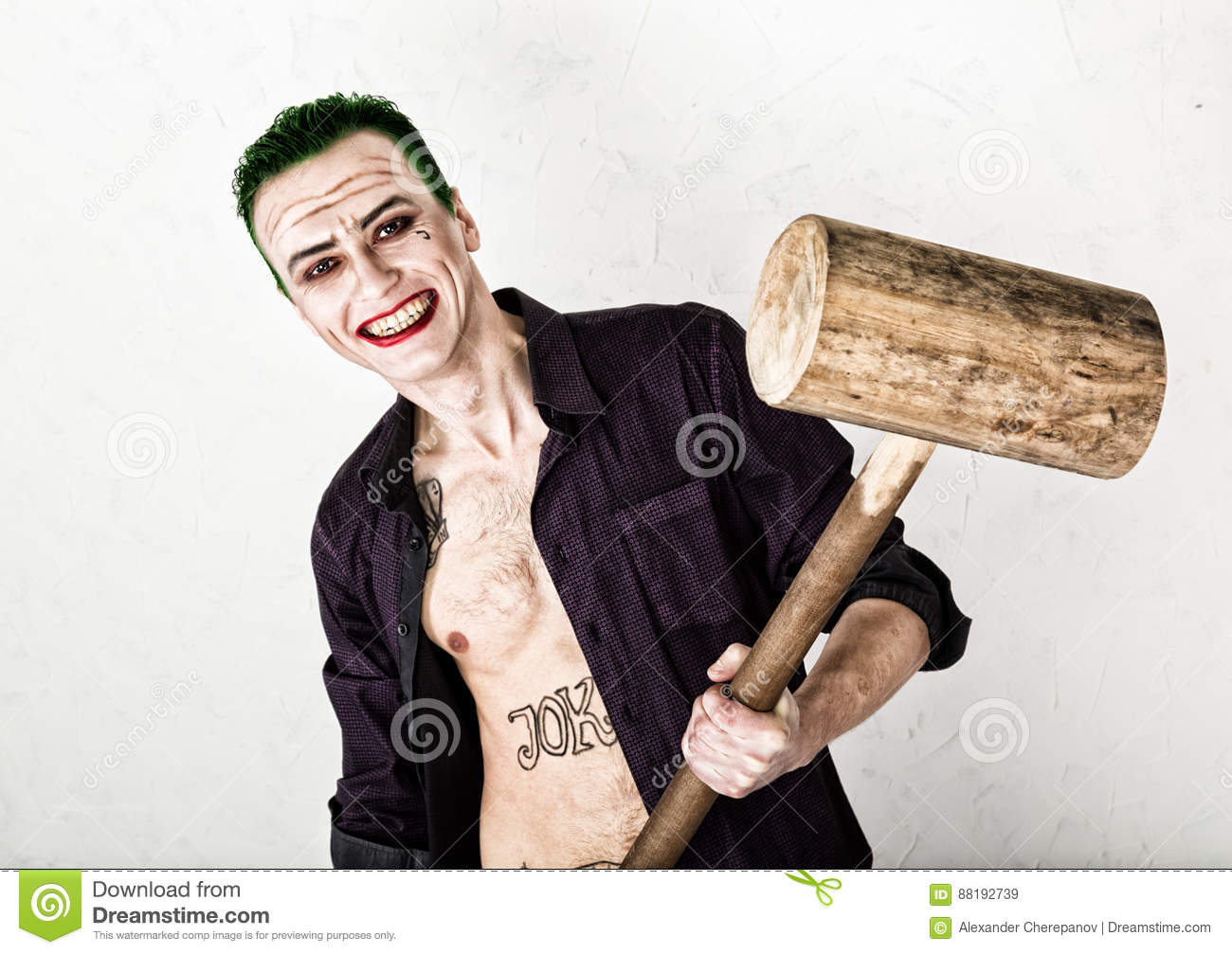 Verrassend Guy With Crazy Joker Face, Green Hair And Idiotic Smile. Carnaval TI-71