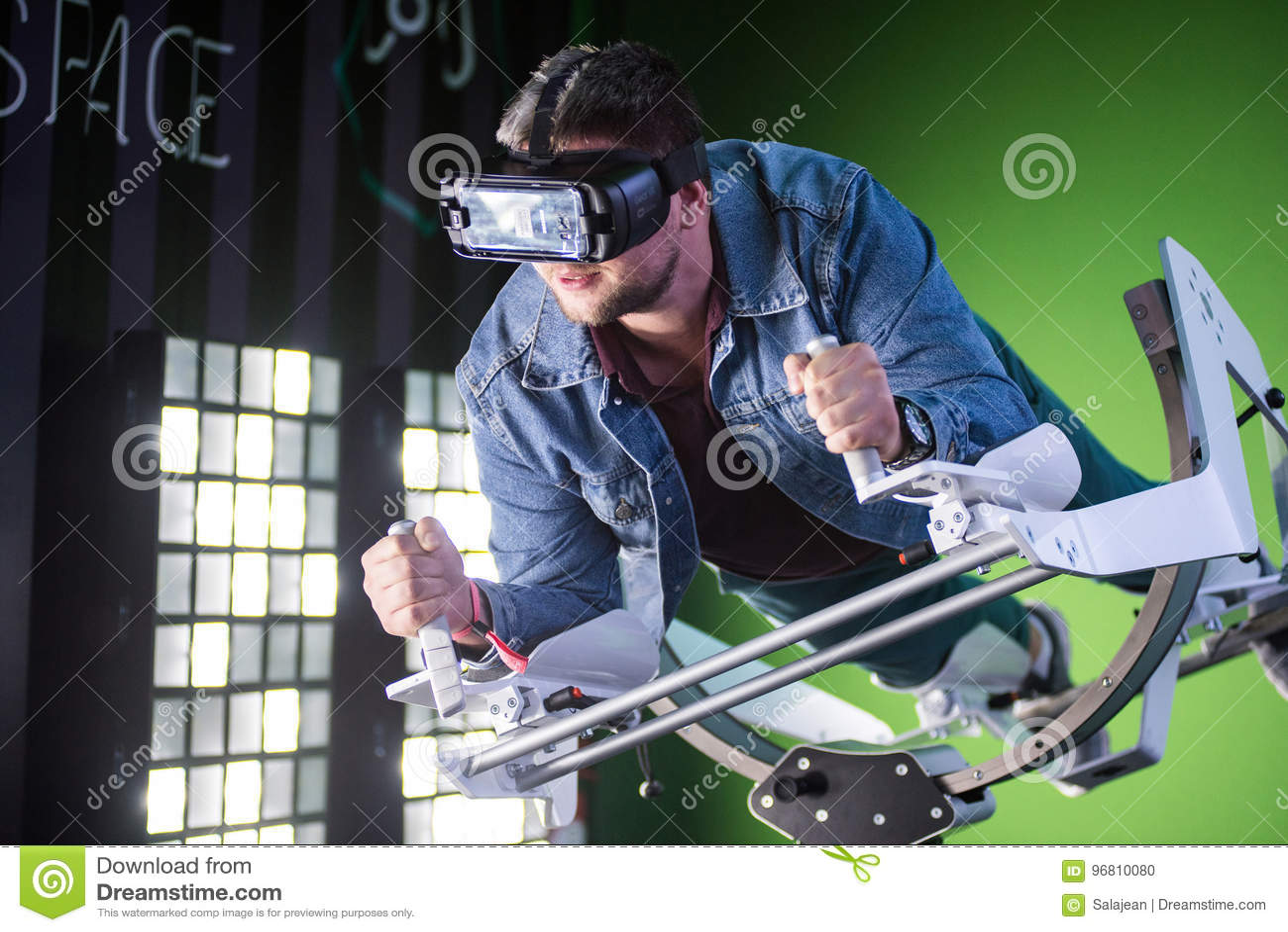 fbd8e620ef2 Guy Using Samsung Virtual Reality Headset