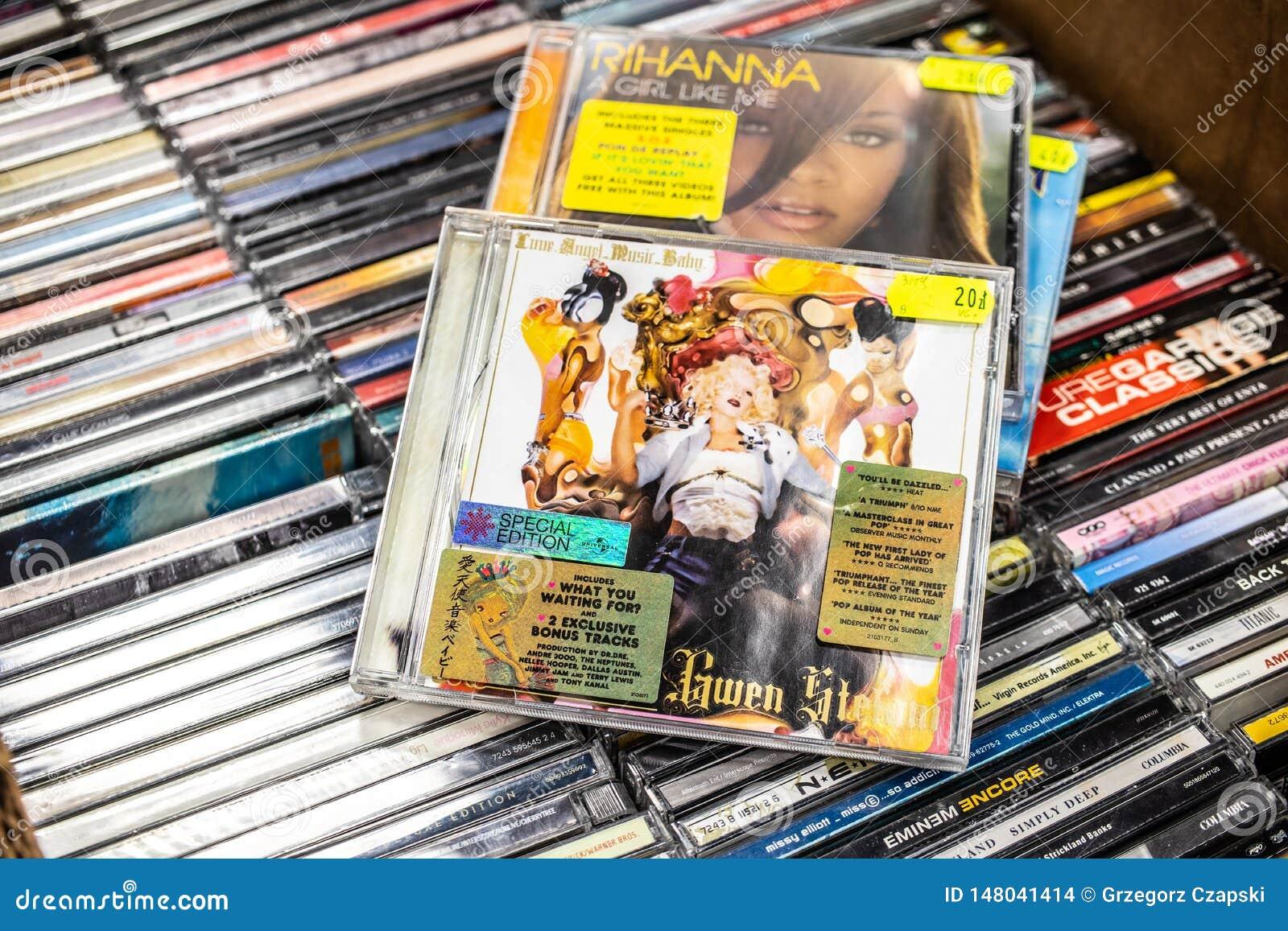 Gwen Stefani-CD albumliefde Engel Muziek Baby 2004 op vertoning voor verkoop, beroemde Amerikaanse zanger en songwriter