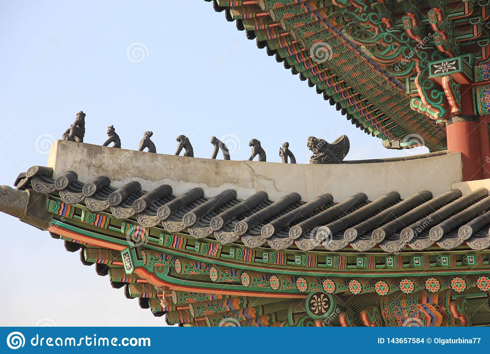 Gyeongbokgung pałac, Koreański tradycyjny dach, Japsang postacie, Seul, korea południowa