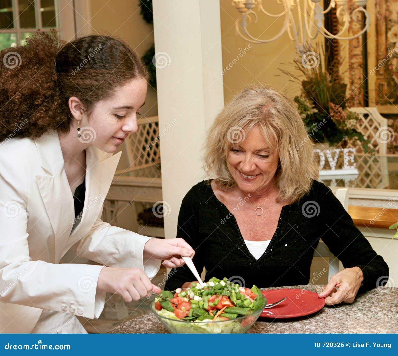 almuerzo mujer madura lechón