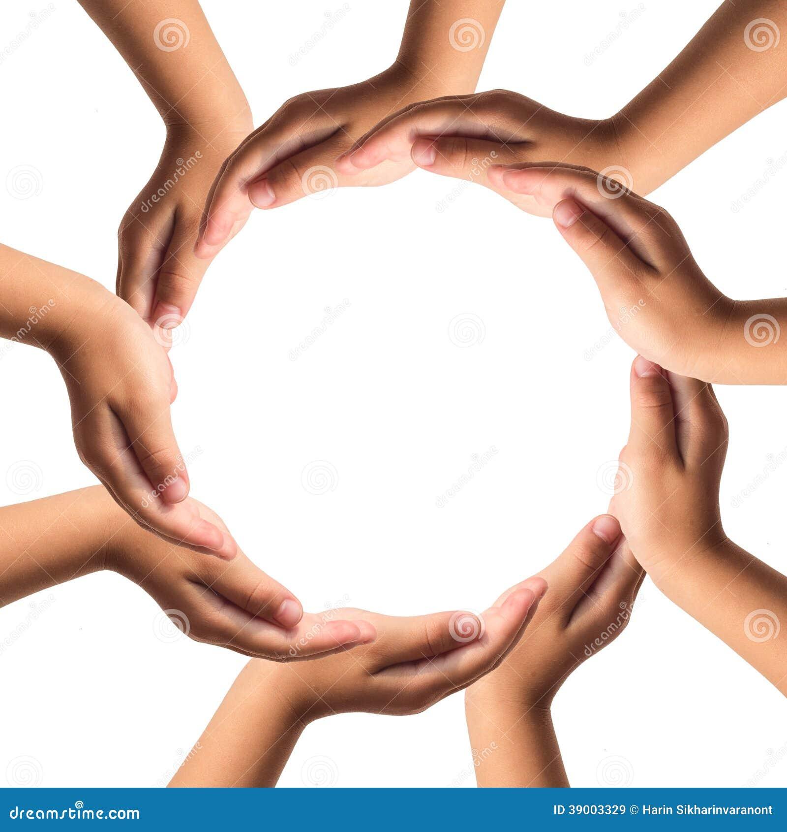 Hände, die den Kreis lokalisiert auf weißem Hintergrund bilden.