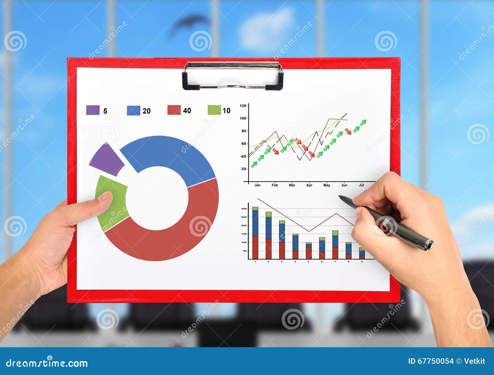 Hände, Die Diagramm Zeichnen Stockfoto - Bild von plakat, idee: 67750054
