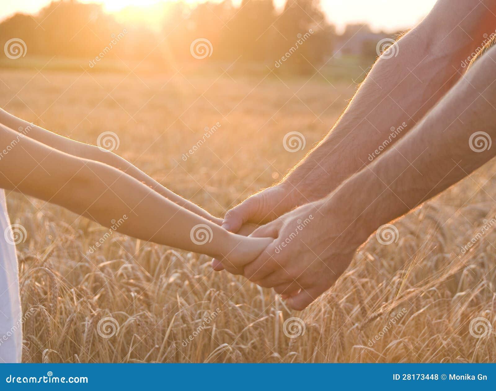 Hände und Gerste