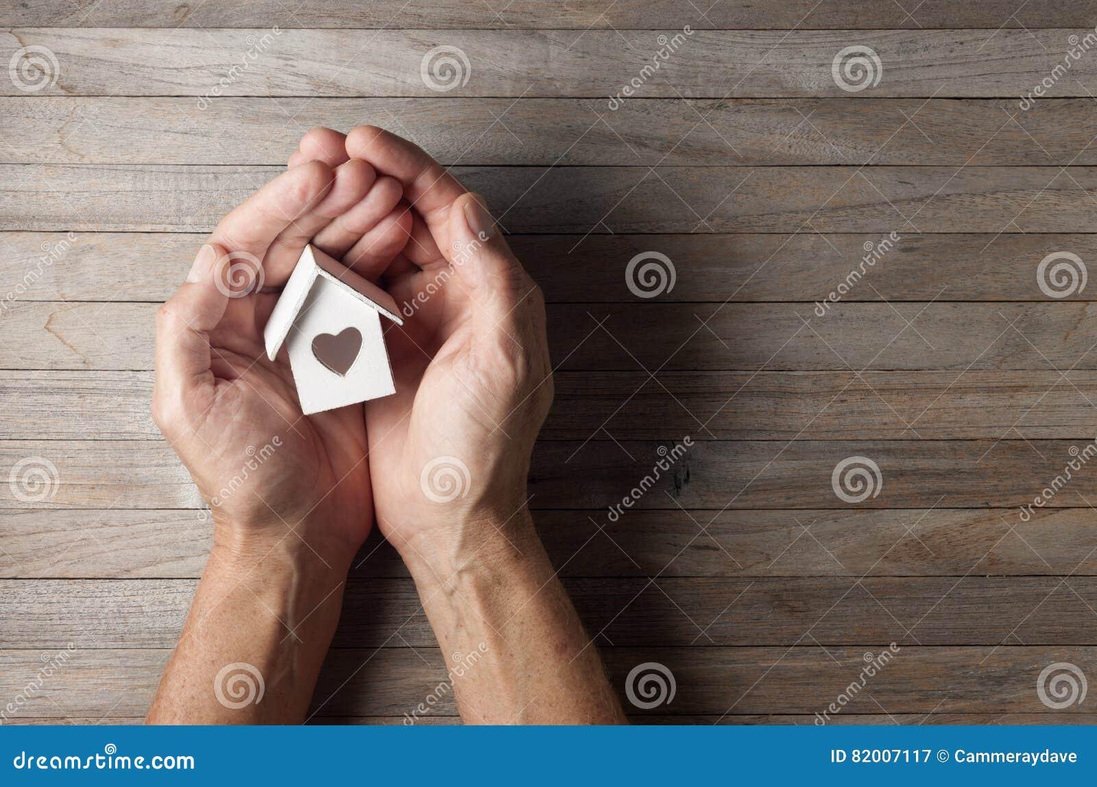 Händer inhyser hem förälskelsebakgrund