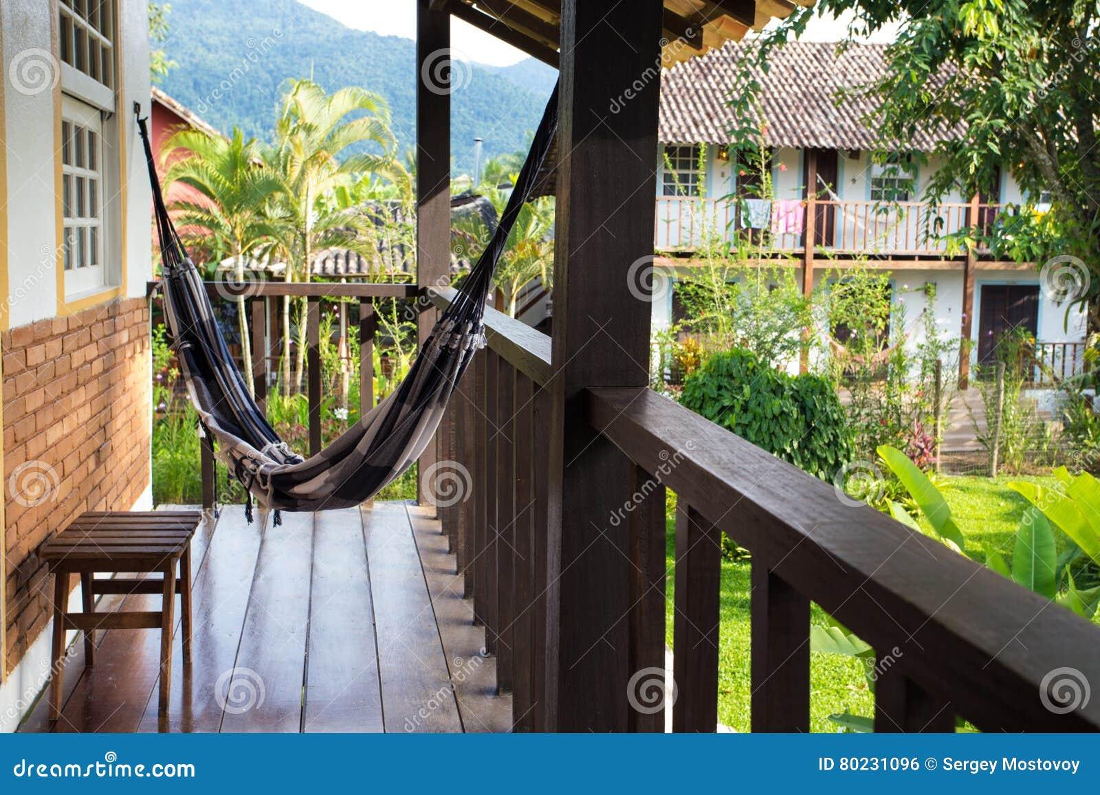 Hangematte Auf Einem Balkon Stockfoto Bild Von Blau Terrasse