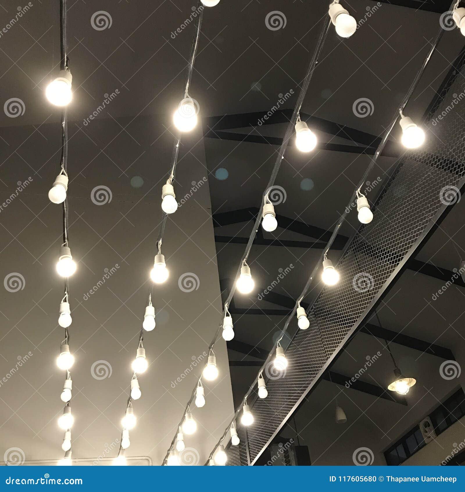Hängende Lichtinnendekoration