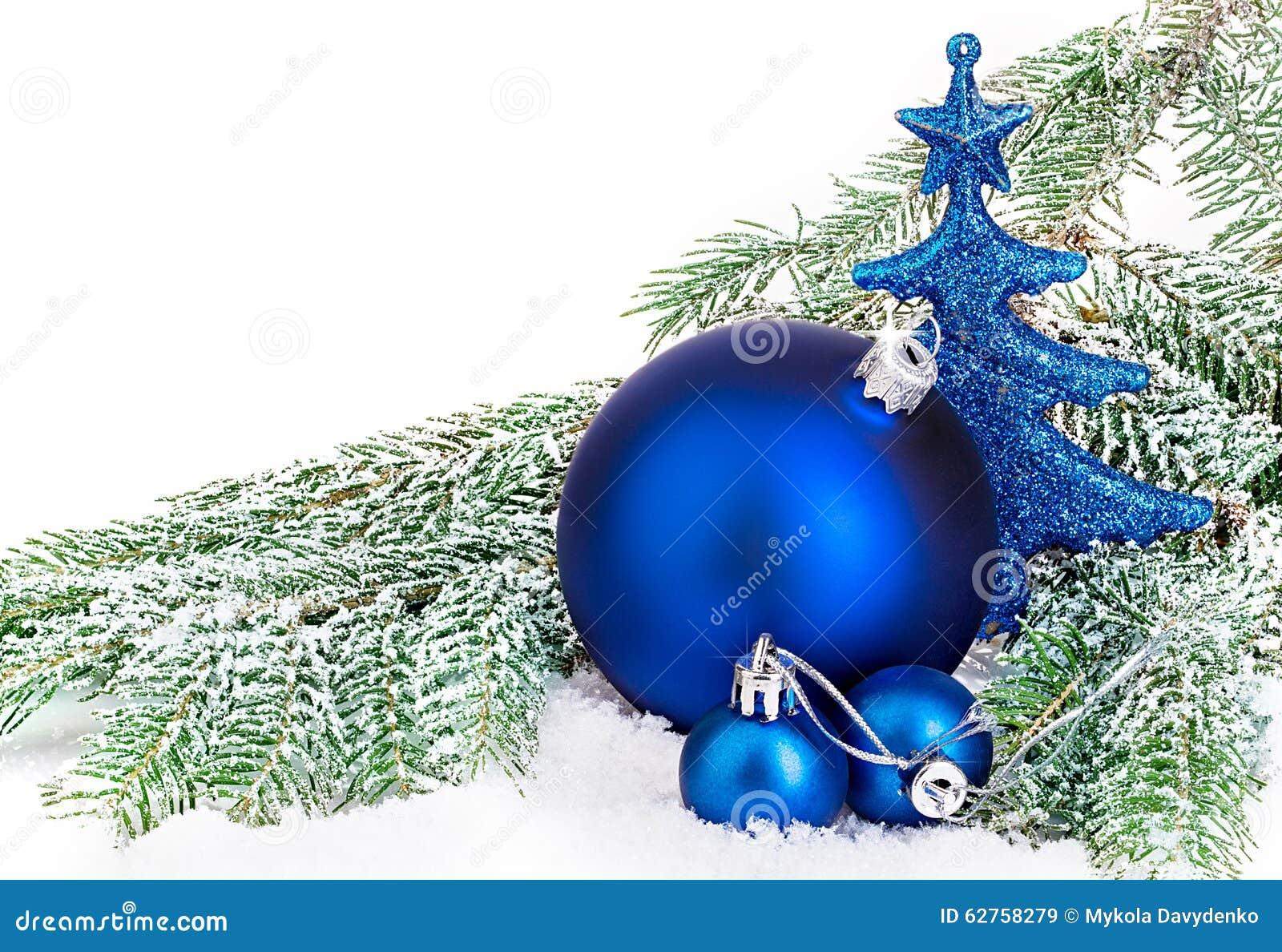 Härlig blå jul klumpa ihop sig på frostigt granträd blå skugga för prydnad för julblommaillustration
