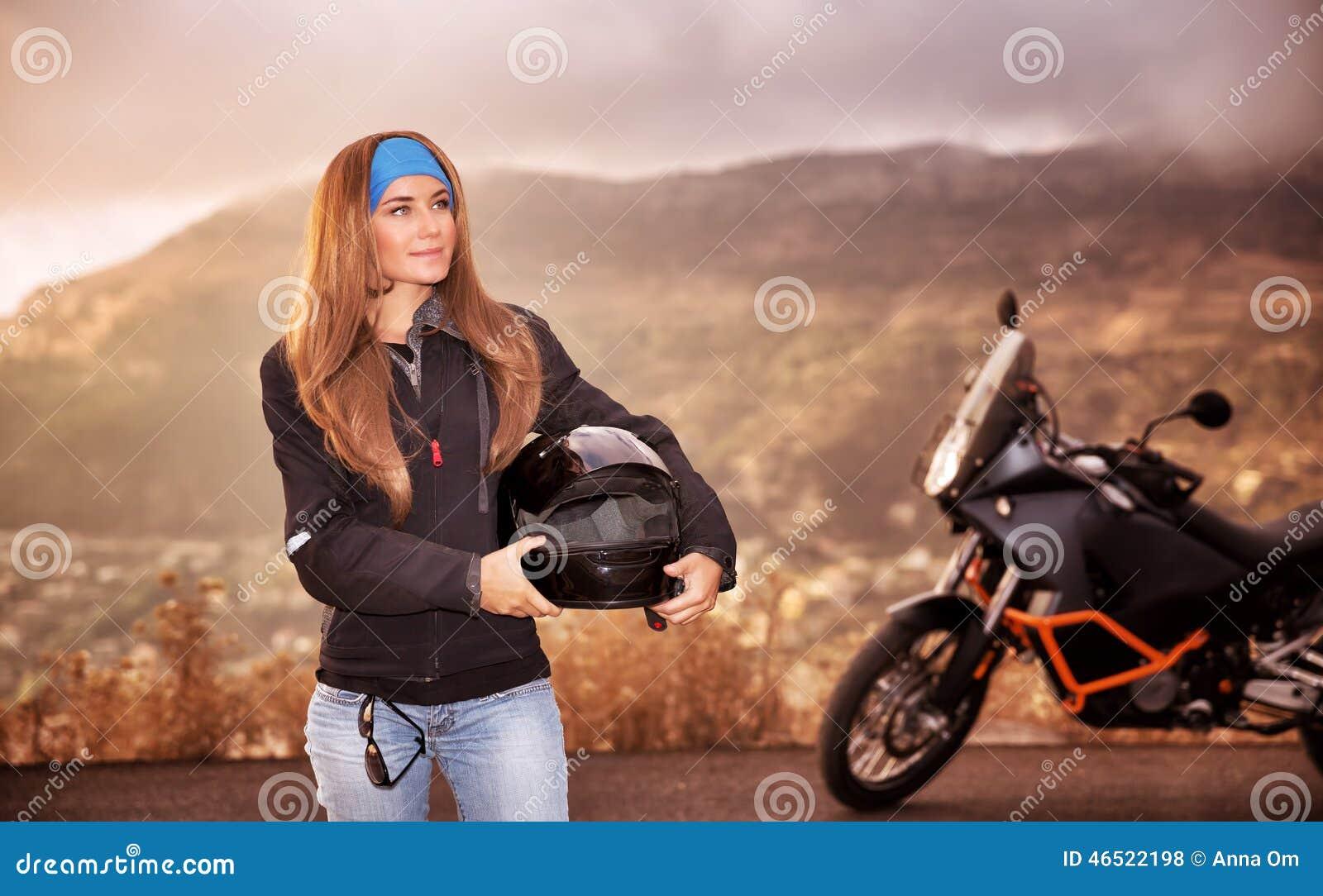 Härlig cyklistflicka