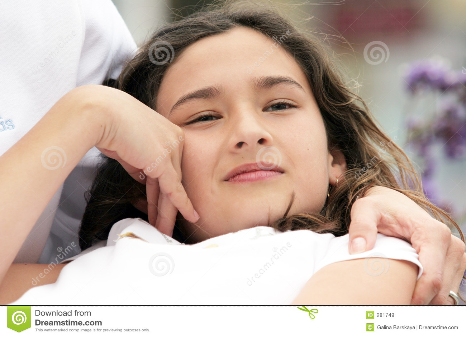 Härlig drömma flicka