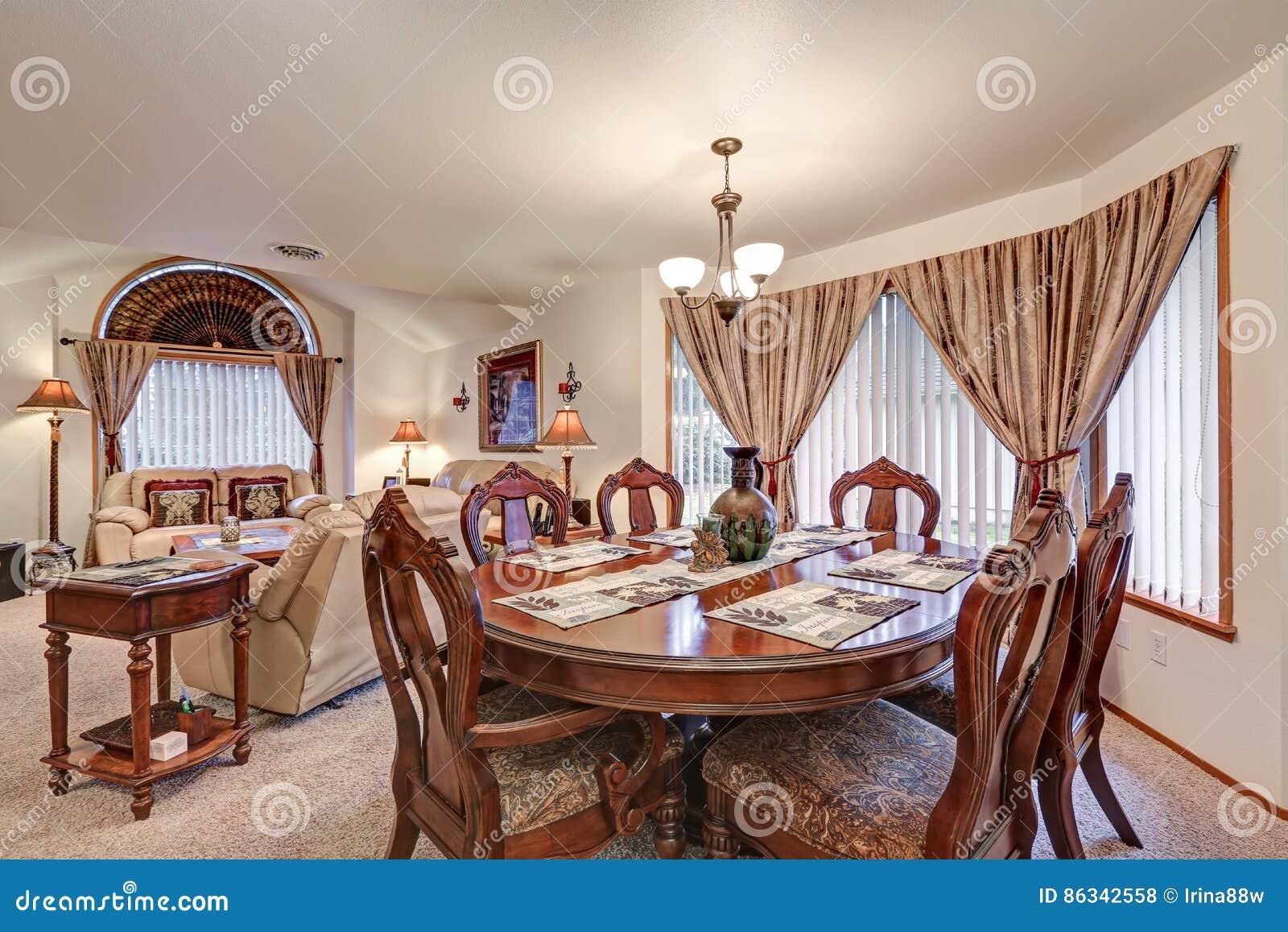Härlig formell äta middag och vardagsruminre Nordvästligt USA