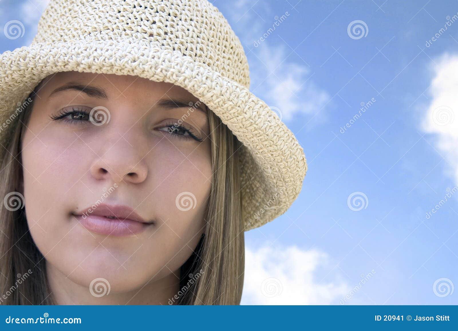 Härlig hattkvinna