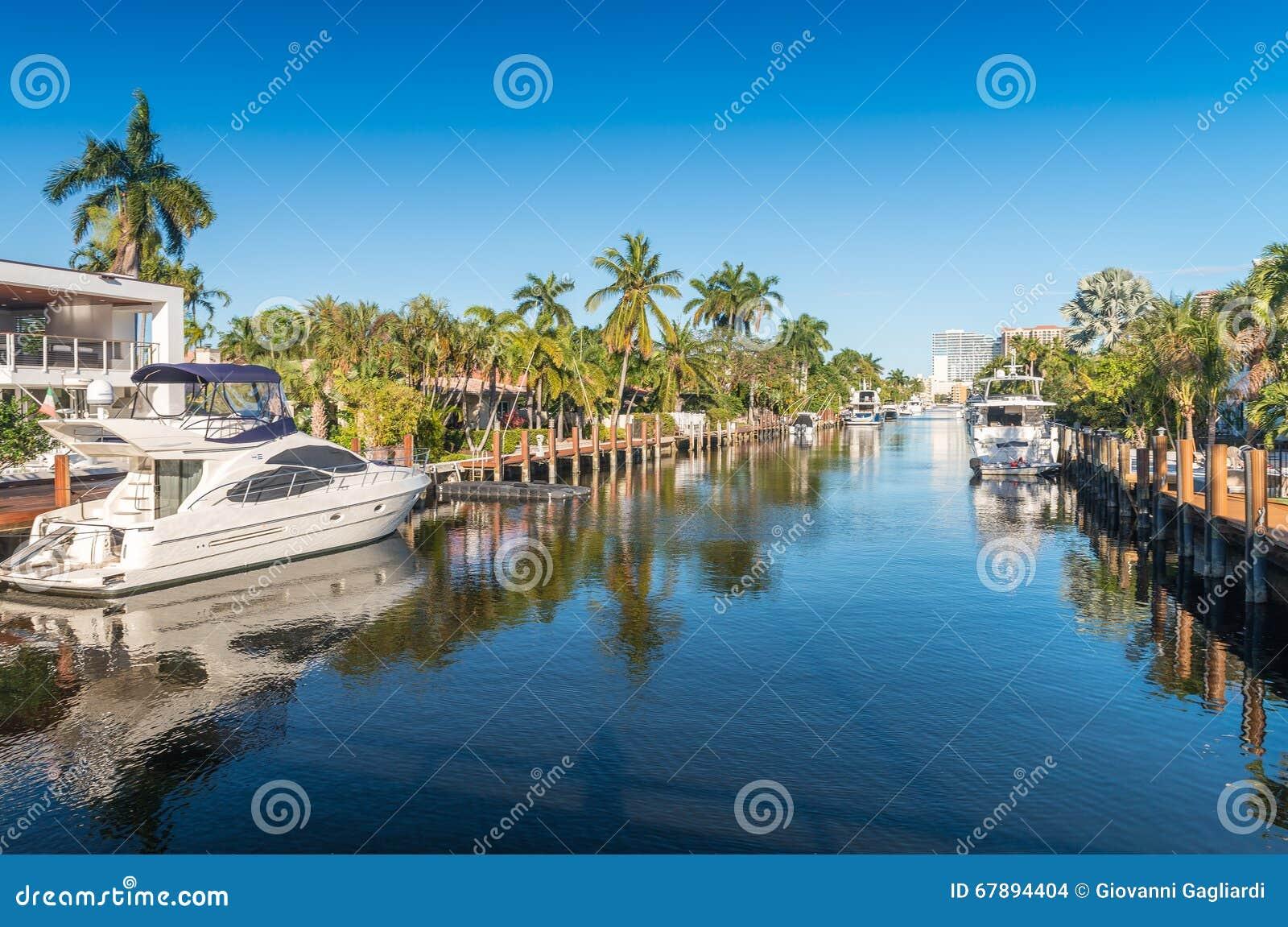 Härlig kanal av Fort Lauderdale, Florida